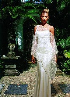 2627ea36bc Végül a menyasszonyi- és alkalmi ruhák tervezése mellett döntöttél. Miért?