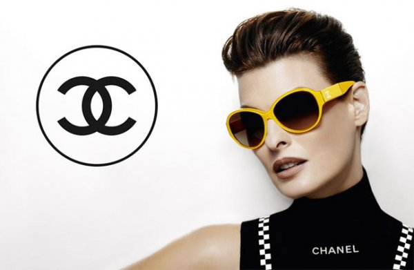 Linda Evangelista for Chanel SS 2012