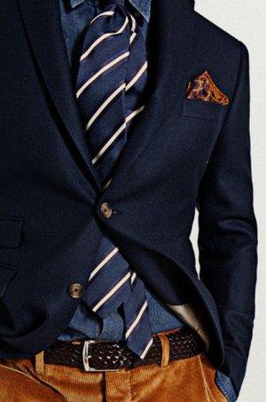 b1b8f7639a Egy öltöny nem öltöny. Bizony, fel kell próbálni több üzlet több modelljét,  azon belül is több méretet és több színt. Ez több alkalomnyi boltjárást is  ...